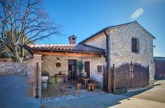 Ferienhaus 1276302 für 8 Personen in Mihatovici