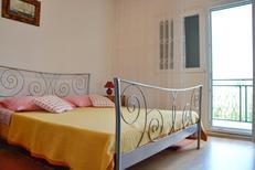 Ferienwohnung 1279536 für 3 Personen in Poljica bei Trogir