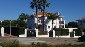 Casa de vacaciones 1279965 para 6 adultos + 2 niños en El Portil