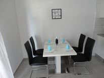 Appartamento 1281039 per 4 persone in Gdinj