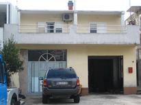 Appartement 1283160 voor 5 personen in Makarska