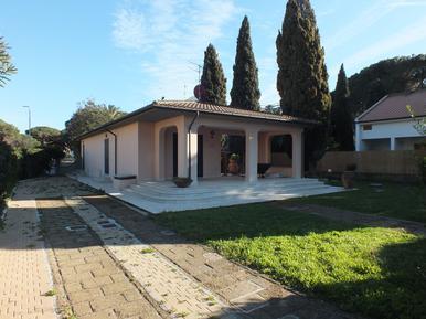 Villa 1284647 per 6 persone in Marina di Campo