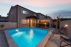 Ferienhaus 1285309 für 6 Erwachsene + 2 Kinder in Bonaci