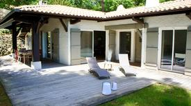 Holiday home 1285353 for 8 persons in Arcachon