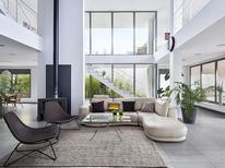 Vakantiehuis 1290244 voor 12 personen in Garriguella