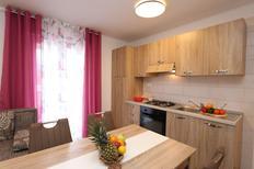 Appartamento 1291973 per 7 adulti + 1 bambino in Šilo
