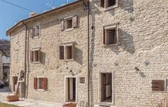 Ferienhaus 1292721 für 5 Personen in Lessinia - Fosse di S.Anna