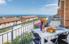 Ferienwohnung 1292728 für 6 Personen in San Costanzo