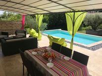 Maison de vacances 1293504 pour 6 personnes , Lirac