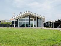 Casa de vacaciones 1293688 para 8 personas en Følle Strand
