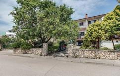 Apartamento 1293926 para 3 adultos + 1 niño en Cres