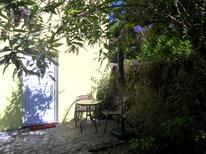 Vakantiehuis 1294726 voor 2 volwassenen + 1 kind in Abragão