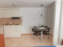 Appartement de vacances 1295211 pour 2 personnes , Cres