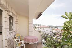 Appartamento 1295773 per 3 persone in Okrug Gornji
