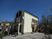 Appartamento 1295978 per 5 persone in Malinska-Dubašnica
