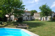 Ferienhaus 1296023 für 7 Personen in Lusignac