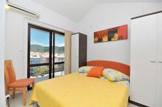 Appartement de vacances 1296991 pour 2 personnes , Vela Luka