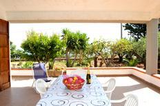 Vakantiehuis 1297849 voor 10 personen in Scopello