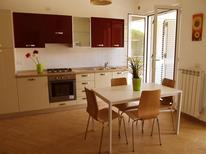 Appartement 1297866 voor 4 volwassenen + 2 kinderen in Pineto