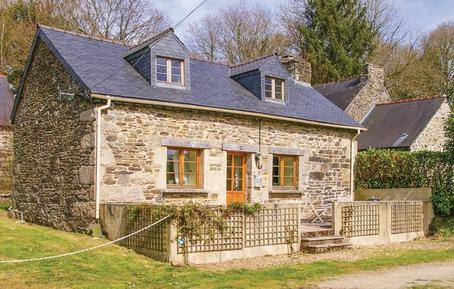 Holiday home 1298303 for 4 persons in Trébrivan