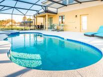 Holiday home 1298708 for 14 persons in Championsgate
