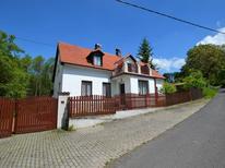 Vakantiehuis 1302366 voor 10 personen in Dolní Týnec