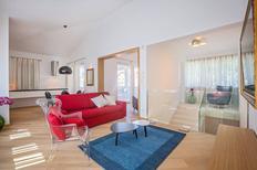 Appartement 1307906 voor 4 volwassenen + 2 kinderen in Funtana