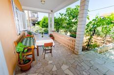 Appartement 1310797 voor 4 personen in Trogir