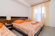 Appartement 1313256 voor 5 personen in Zuljana