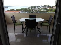 Appartement 1316970 voor 4 personen in Banjol