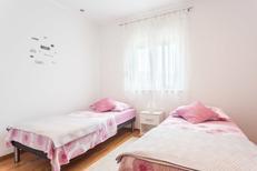 Appartement 1318565 voor 6 personen in Trogir