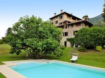 Vakantiehuis 1322356 voor 12 personen in Porto Valtravaglia