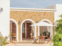 Vakantiehuis 1323268 voor 8 personen in Benirràs