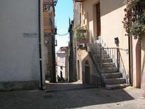 Ferienwohnung 1326481 für 3 Personen in Vibonati