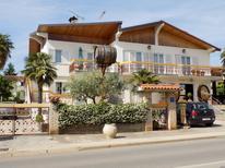 Rekreační byt 1326596 pro 4 dospělí + 2 děti v Poreč