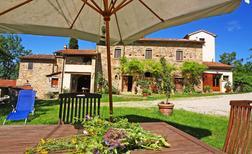 Villa 1329072 per 8 persone in Anghiari