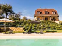 Ferienhaus 1329616 für 9 Personen in Montignac