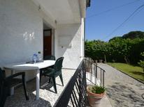 Appartement 1329635 voor 5 personen in Marina Di Massa