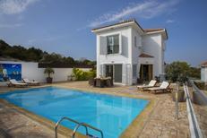 Ferienhaus 1330499 für 6 Personen in Pernera