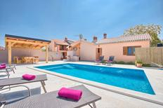 Holiday home 1330823 for 8 persons in Peroj