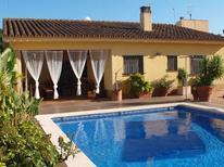 Vakantiehuis 1331449 voor 7 volwassenen + 3 kinderen in Deltebre