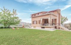 Casa de vacaciones 1332179 para 9 personas en Castignano