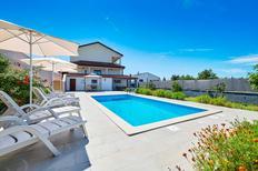 Villa 1333635 per 5 adulti + 1 bambino in Burici