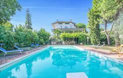 Appartement 1333643 voor 6 personen in San Costanzo