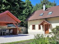 Vakantiehuis 1336395 voor 11 personen in Turnov