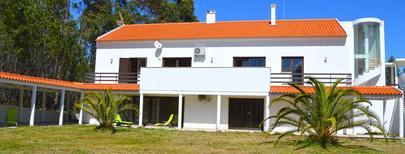 Appartement 1336483 voor 6 volwassenen + 2 kinderen in Amiais de Cima