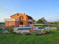 Vakantiehuis 1337141 voor 14 personen in Bratulici