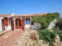 Ferienwohnung 1337749 für 5 Personen in Isola Rossa