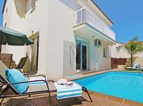 Ferienhaus 1338185 für 6 Personen in Pernera