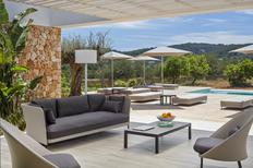 Vakantiehuis 1338824 voor 12 personen in Santa Eulària des Riu